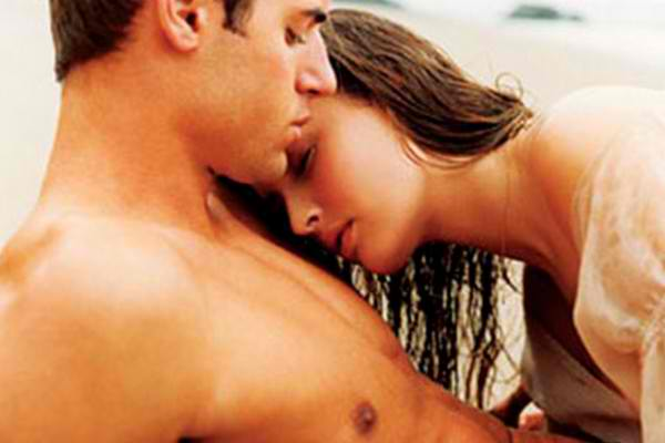 MenScent e1312821402662 10 Things Women Do That Drives Men Crazy