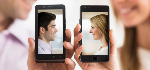 140418102213 couple dating mobile phones relationship 620xa 520x2451 Why Online Dating Is a Poor Way to Find Love