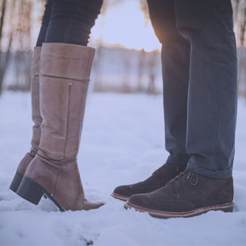 snow 7.5 ways to flirt with a guy