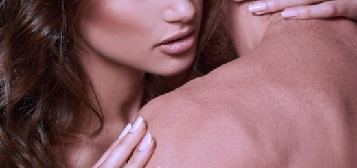 7 ways to seduce a man with touch