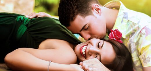 7 Ways To Satisfy Your Man - Everywhere You Go! 1